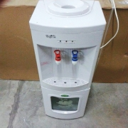 Диспенсър за вода YLR-2C