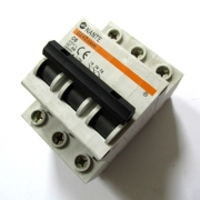 Ключ с предпазител CN45 3POLE  6A