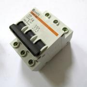 Ключ с предпазител CN45 3POLE